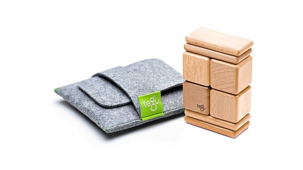 2012-tegu-pocket-pouch-natural-big-1_1