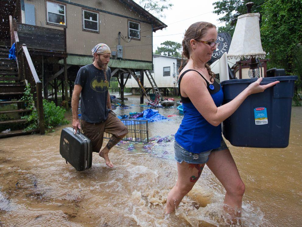 HT_louisiana_flooding_5_jt_160813_4x3_992